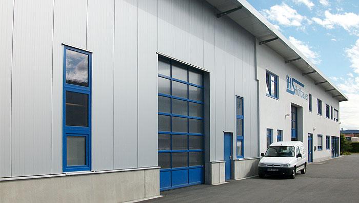 IHS Gebäude Hauptlagereinfahrt